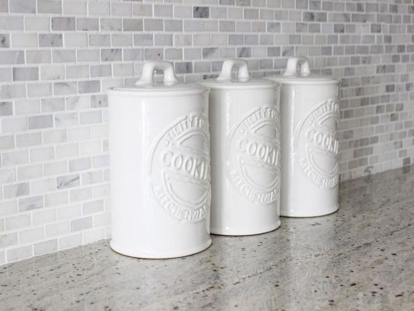 White kitchen canisters, 14 photo