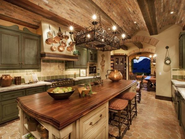 Tuscan kitchen design with neutral tones: making