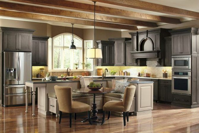 Classic kitchen design at modern home