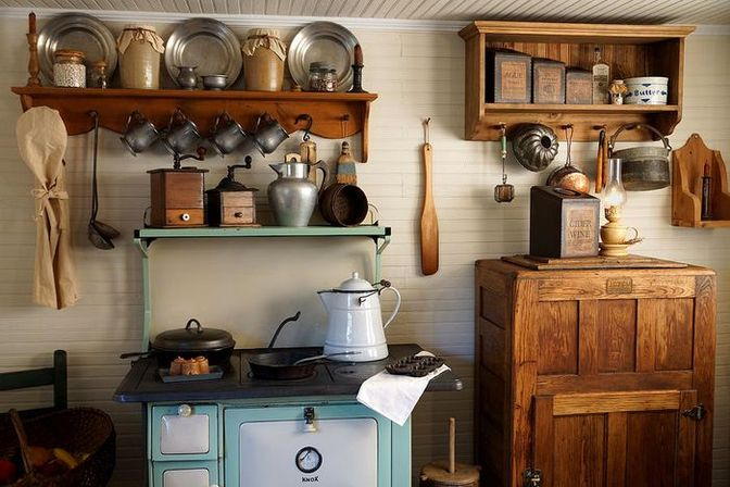 Old country kitchens: 10 ways make