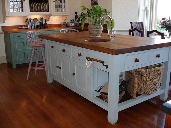 Country style kitchen island: 5 ways to use