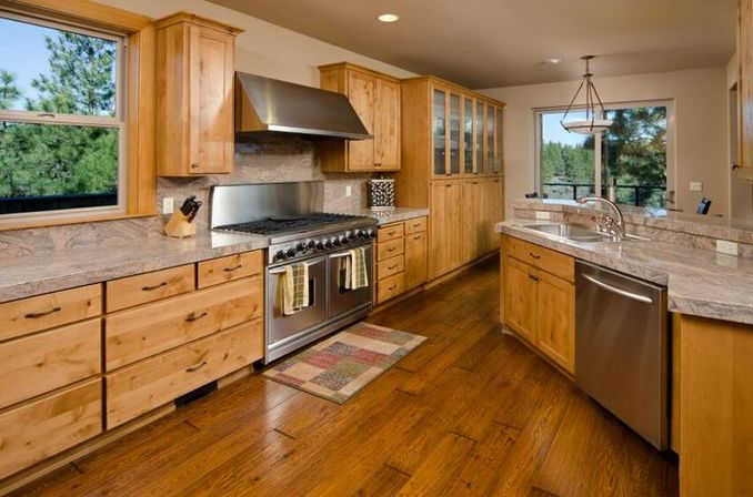 The color palette of the country kitchen cabinets for Country kitchen cabinet color ideas