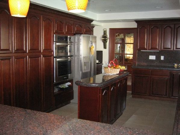 The value of the walnut kitchen cabinets | Kitchens designs ideas