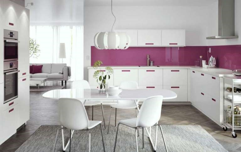 Take note of the trends and be inspired by them to renew your kitchen
