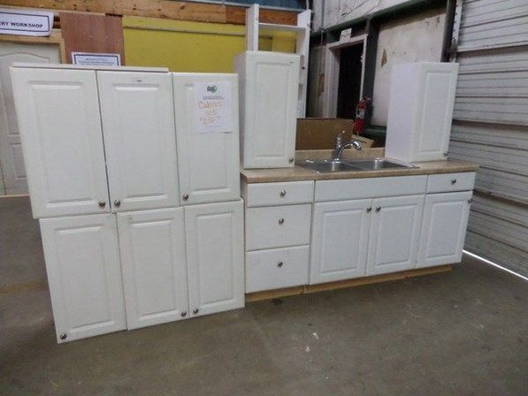 Used kitchen cabinets like new ones kitchens designs ideas for Kitchen cabinets used