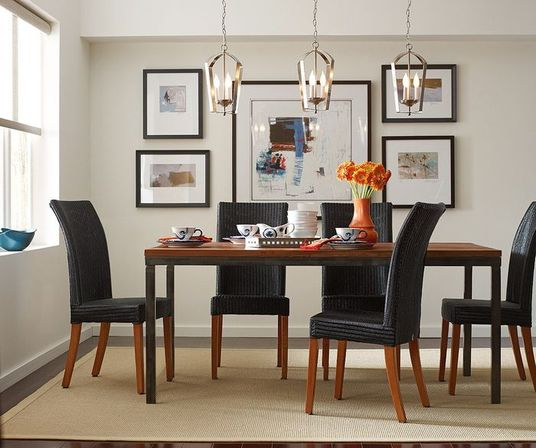 a good option for the kitchen modern chandelier elongated rather than the usual rounded shape in such a lamp several lamps are placed on the same line - Small Chandeliers For Dining Room