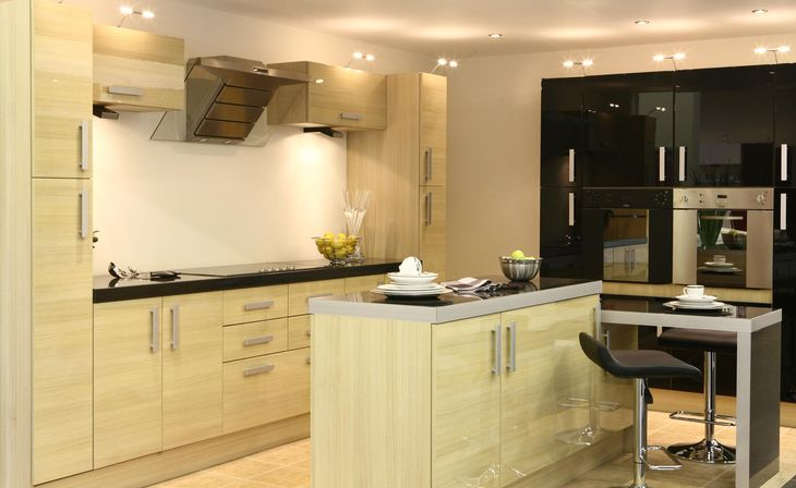 Small kitchen designs with island 5 tips kitchens for Small kitchen models