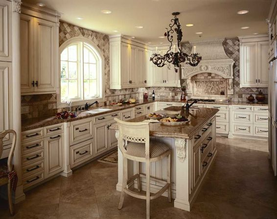 Antique white kitchen cabinets photo kitchens designs ideas for Vintage kitchen designs photos