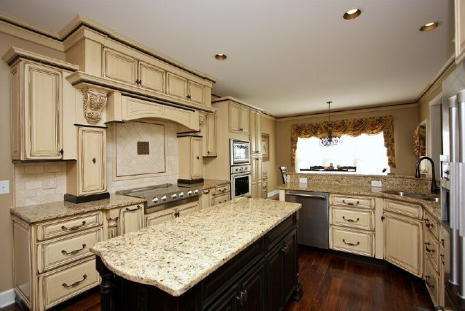 Antique White Kitchen Cabinets antique white kitchen cabinets, photo | kitchens designs ideas