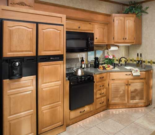 Best Paint For Pine Kitchen Cupboards: Pine Kitchen Cabinets: Original Rustic Style