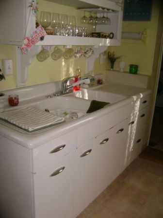 Antique Kitchen Sink Cabinets Vintage White Kitchen Cabinets
