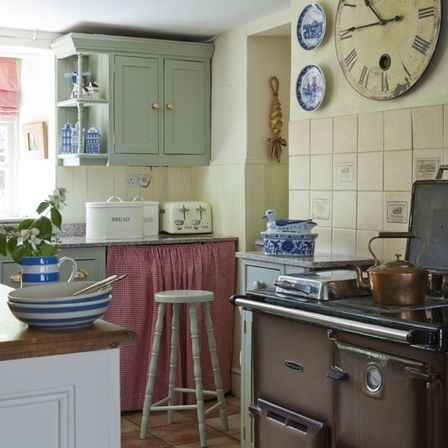 Small country kitchens 5 news kitchens designs ideas for Country kitchen home plans