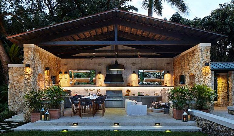 Outdoor kitchen: great idea for you