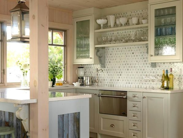 Glass kitchen cabinet doors: reasons for buy