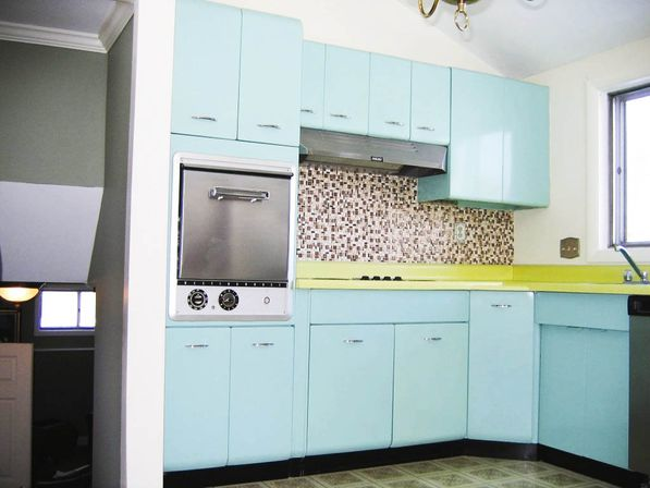There are 4 steps to save vintage metal kitchen cabinets: